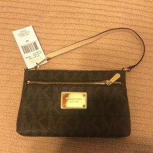 Wristlet new with unattached tag but never used